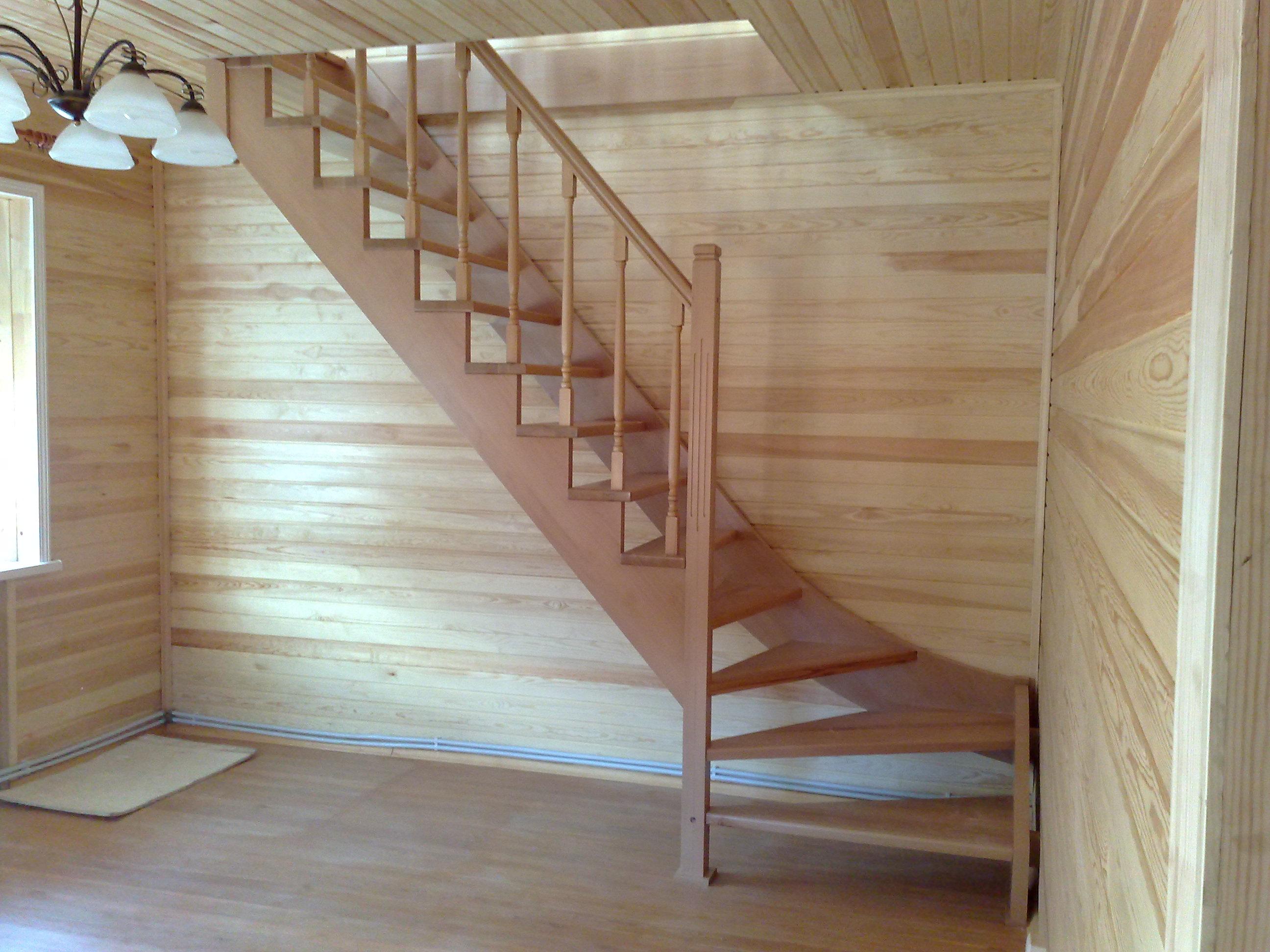 Лестницы с ограждением из стекла